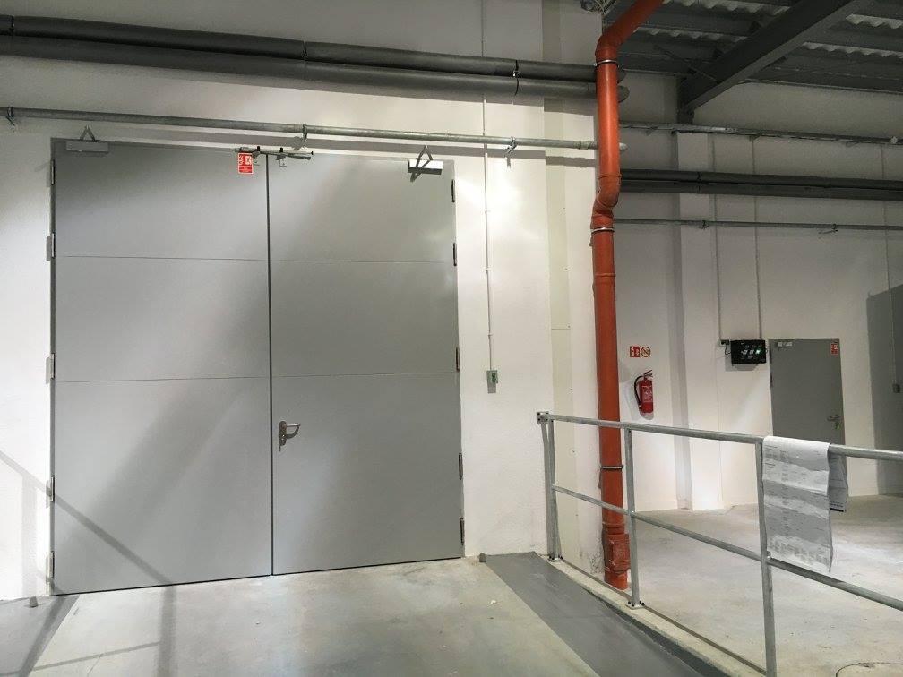Przeciwpożarowe drzwi stalowe ASSA ABLOY Mercor Doors Alpe W EI60 kolor: RAL9006; Przeciwpożarowe drzwi stalowe Wiśniowski